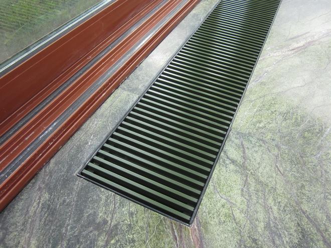 решетка конвектора покрашенная по ral